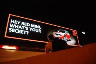Digital Billboard Mini - Hey Red Mini Whats Your Secrect