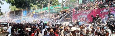 myanmartravel-org-festivals-thingyan