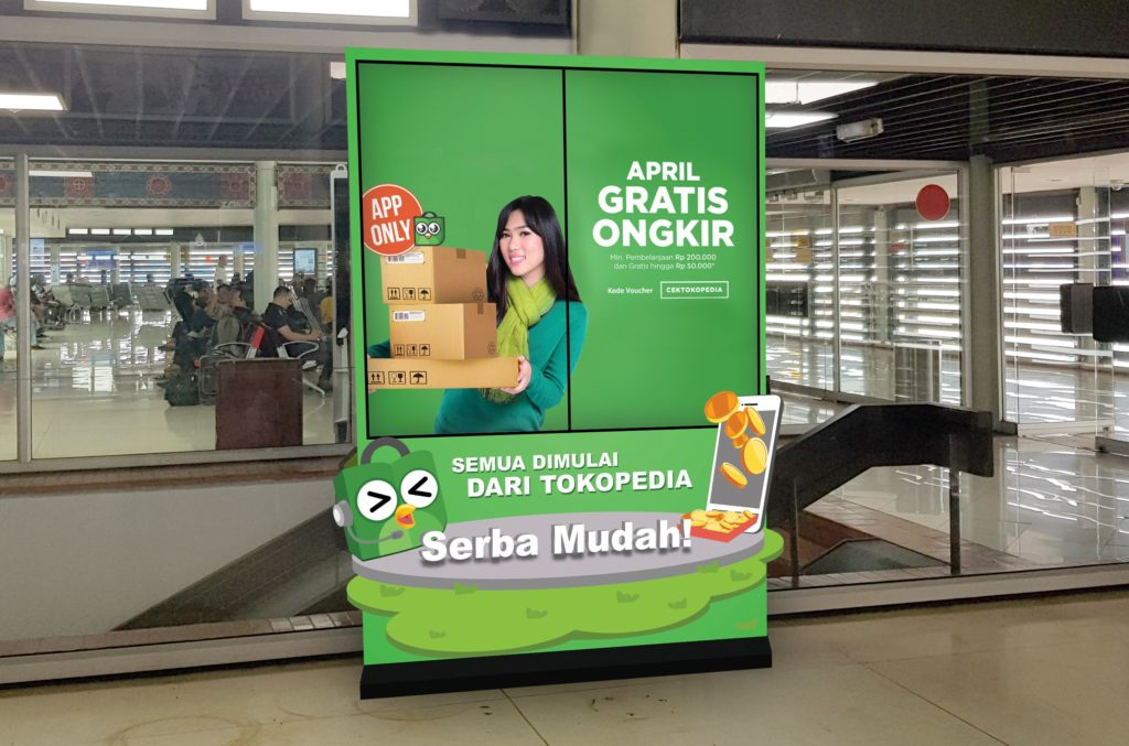 The TPM Outdoor I-screen Creative Collection style for Tokopedia at various airport