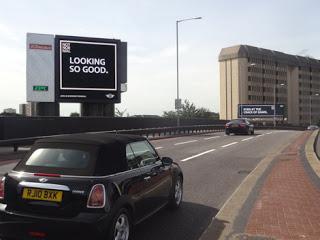 Digital Billboard Mini - Looking so Good