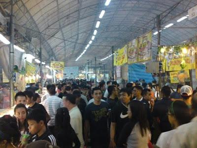 Geylang Packed Hari Raya Bazaar 2009 1