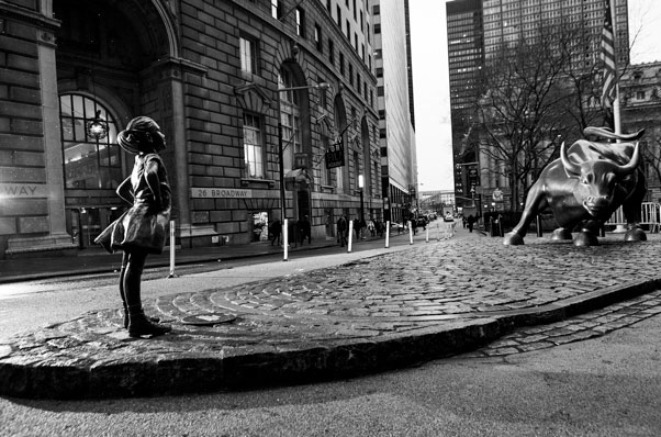 Creative Outdoor Ads - The Fearless Girl
