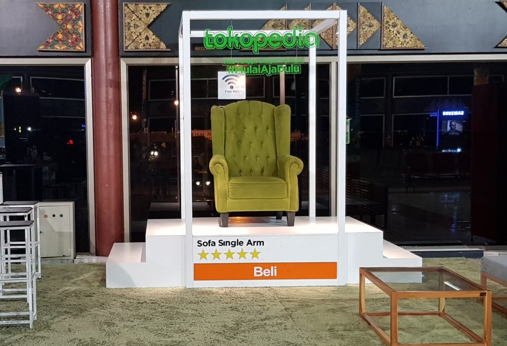 The TPM Outdoor I-screen Creative Collection style for Tokopedia at various airport 2